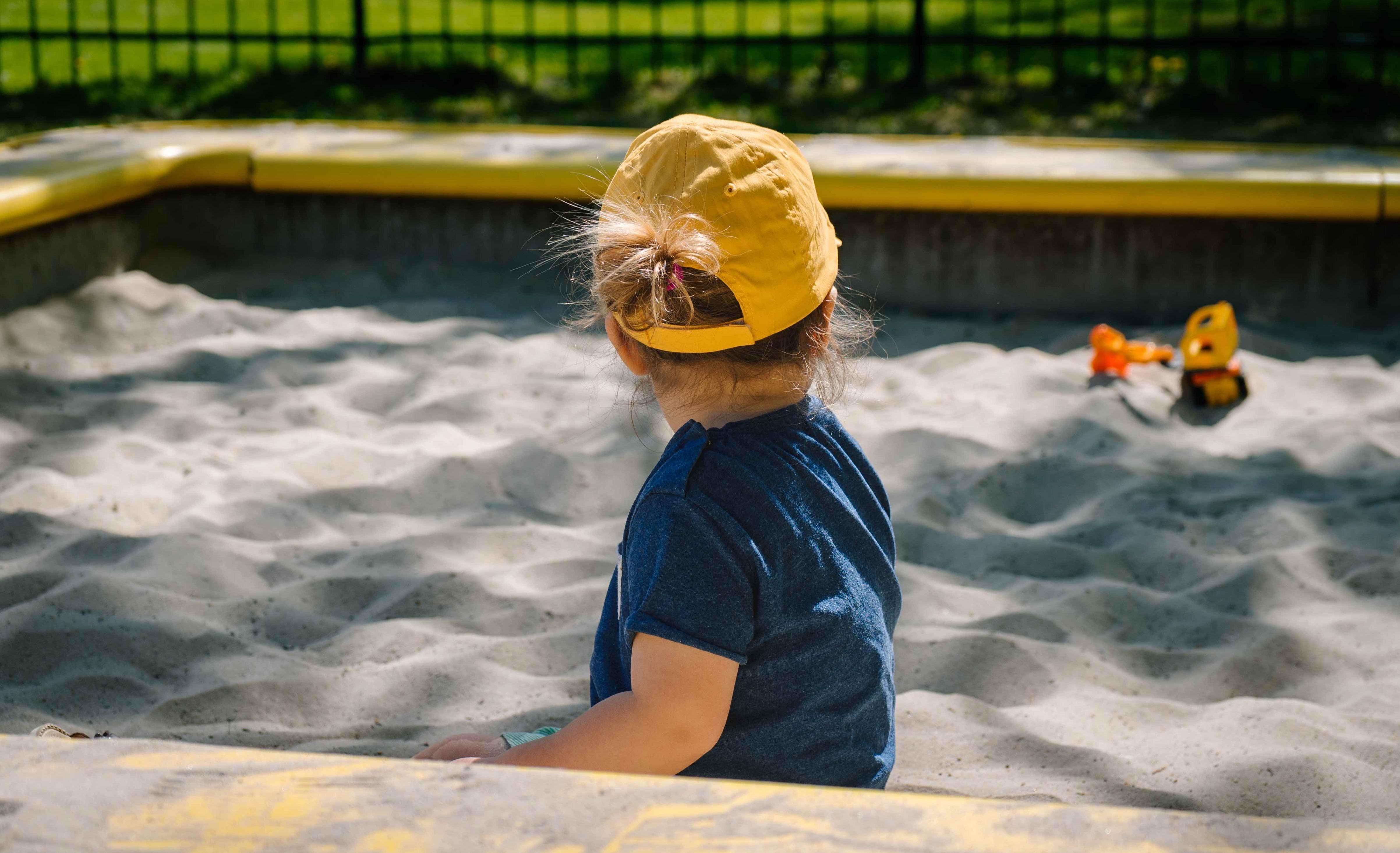 Natürliche Sonnencremes und Lotionen für die Sommer Hautpflege von Babys und Kindern