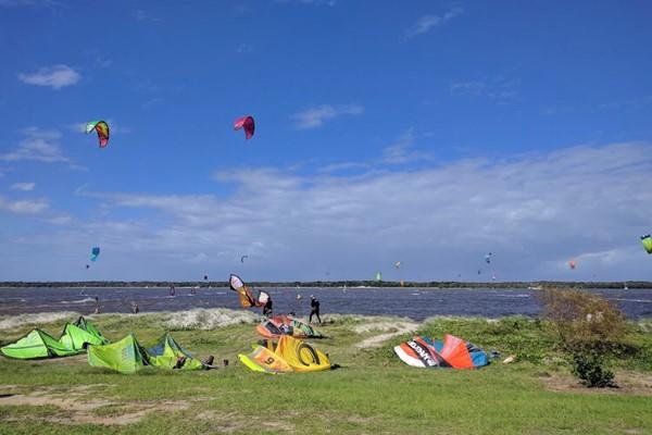 Kitesurfing The Pass, Byron Bay